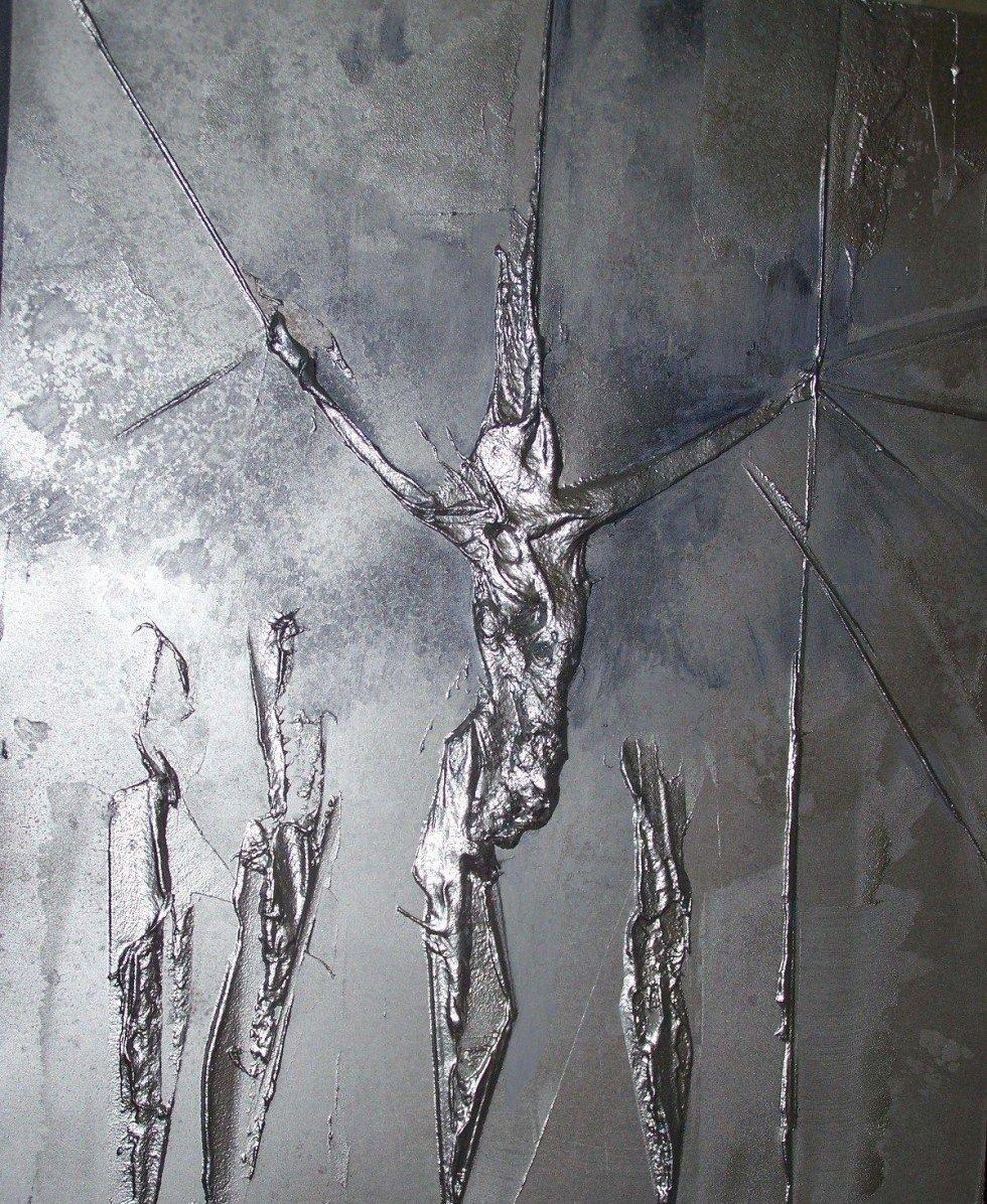 crocifissione in resina a rilievo