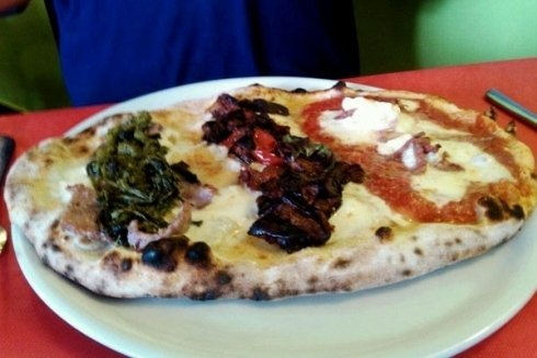 Un ottimo ingrediente per guarnire la pizza sono le verdure grigliate.