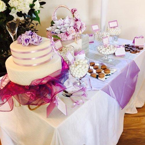 torte e pasticcini per un evento speciale
