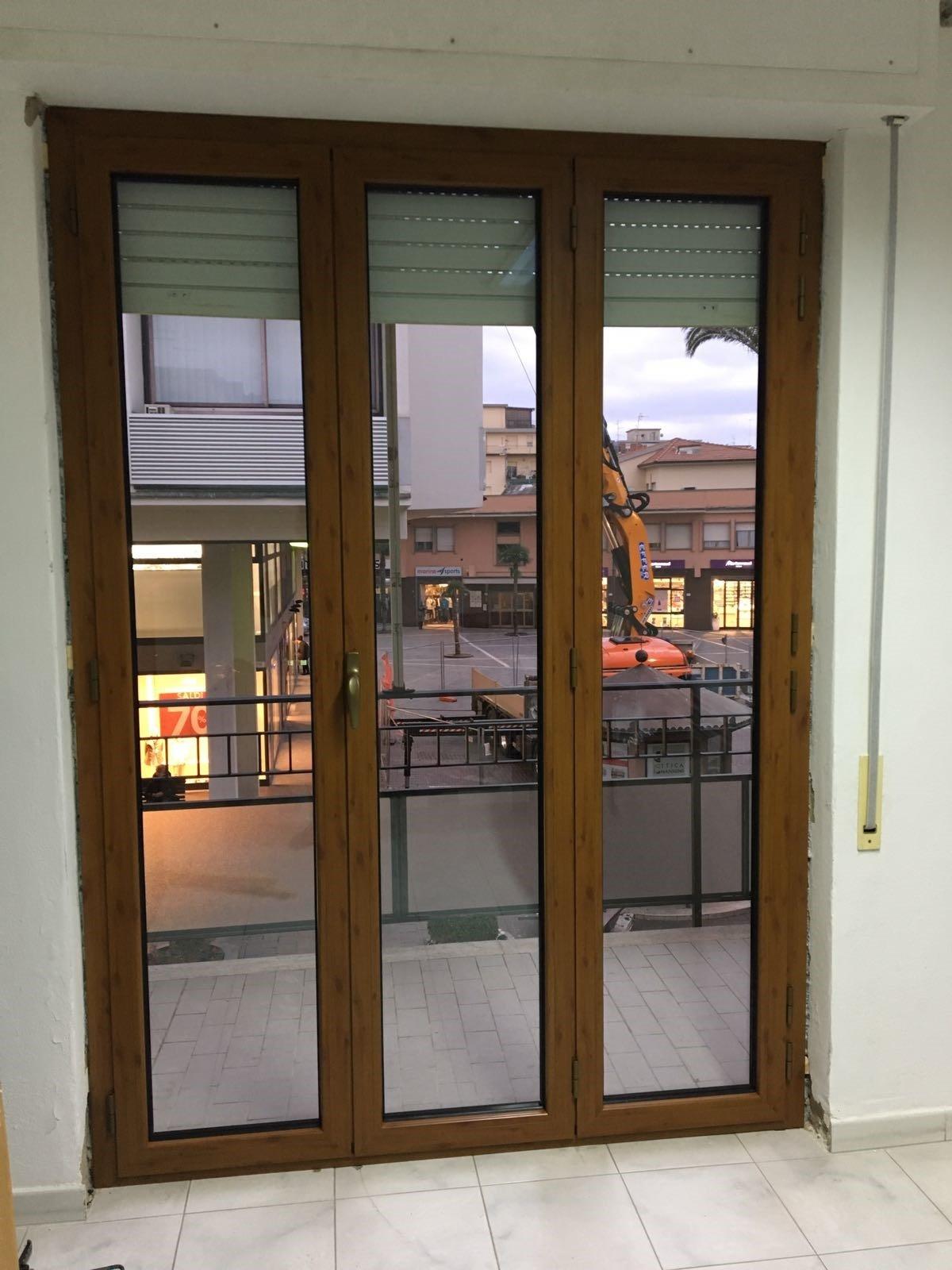 Realizzazione di finestre su misura follonica seam - Finestre su misura ...