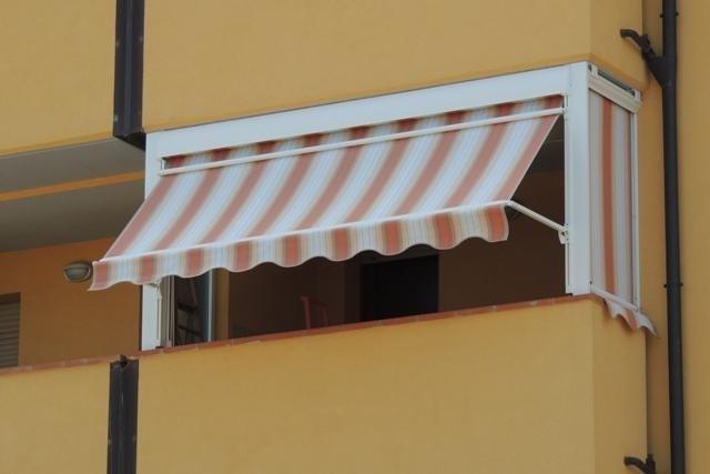 tenda da sole con braccetti scorrevoli , tenda laterale a molla