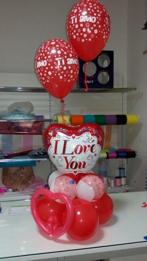palloncini per san valentino, i love you, amanti
