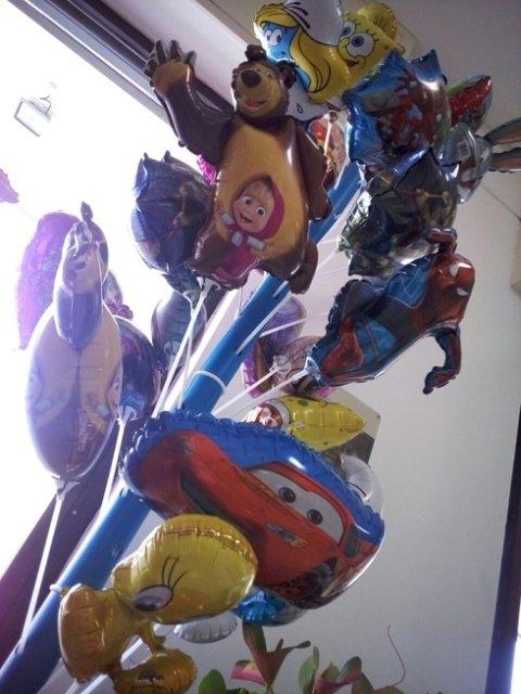 palloncini con grafiche, personaggi disney, feste per bambini