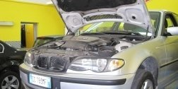 riparazione motori, meccanici, auto in riparazione