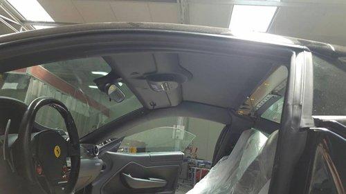 vista laterale di un auto