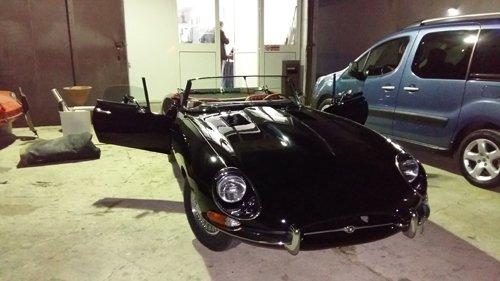 auto decapottabile nera