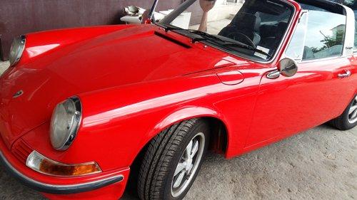 auto d`epoca rossa