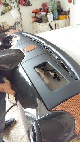 pezzo anteriore di un auto