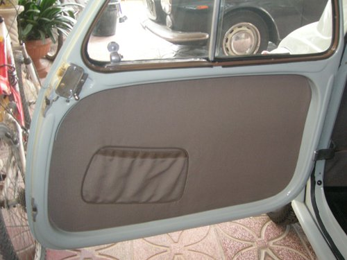 tappezzeria portiera auto aperta