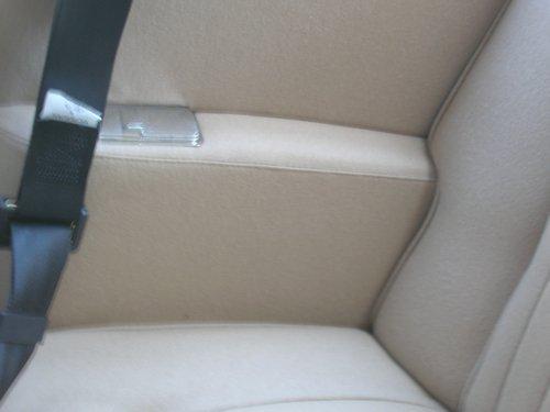 apri sportello di un auto