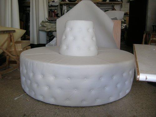 divano rotondo bianco