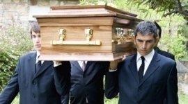 cremazione, addobbi floreali, allestimento chiesa