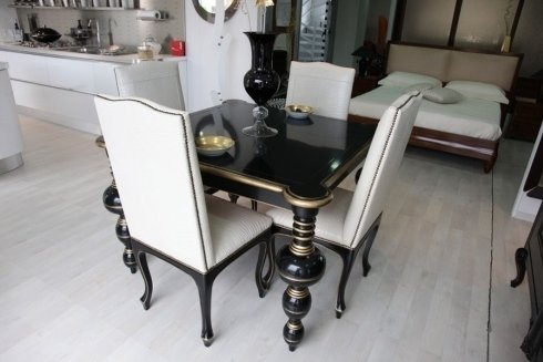 tavole  sedie nero bianche