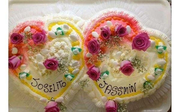 torte di compleanno a forma di cuore con decorazioni