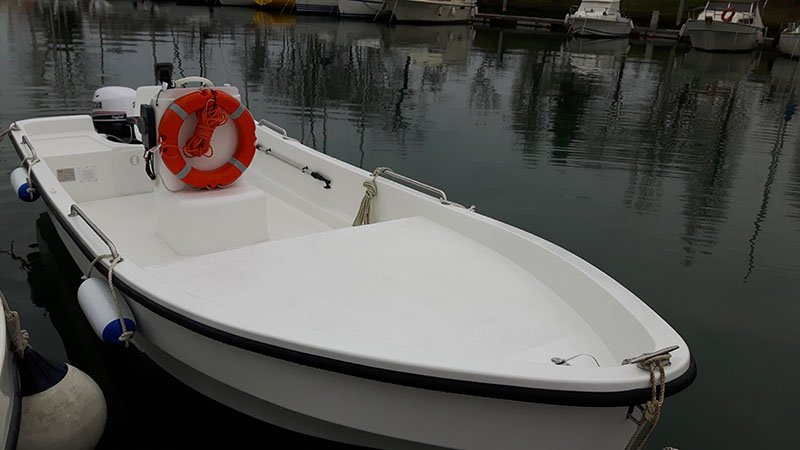 A pointed boat