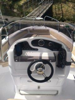 vista posteriore della barca Allegra 19