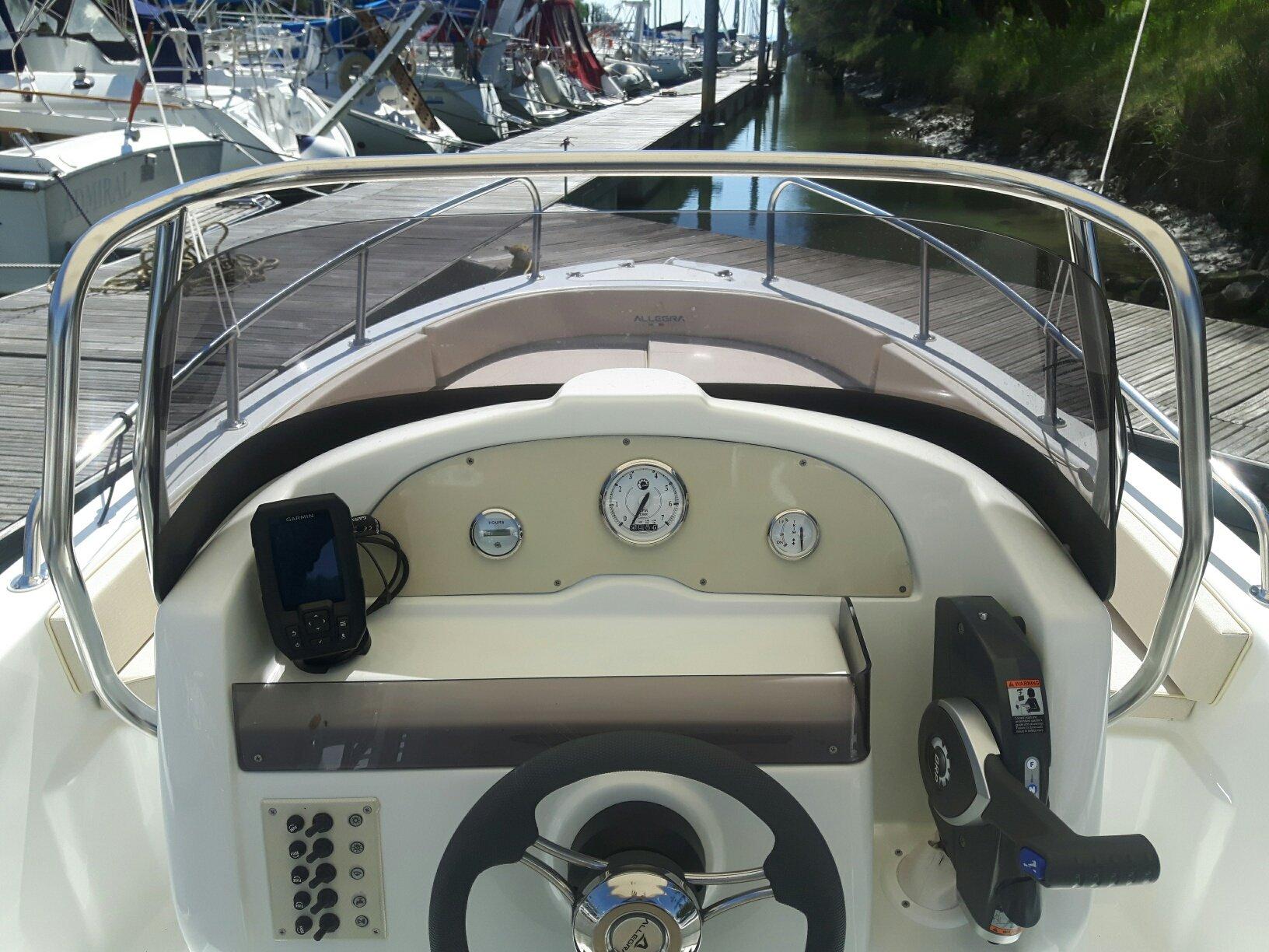 barca allegra 590 posteriore