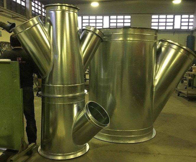 delle tubature in acciaio per condotti