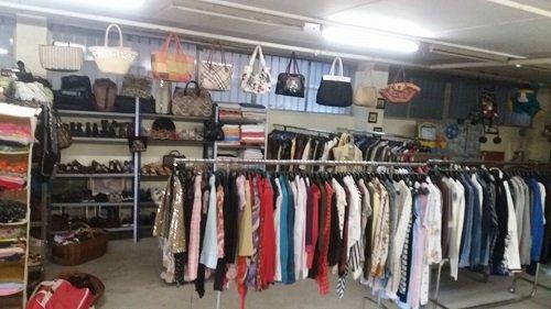 Sezione di abbigliamento di donna