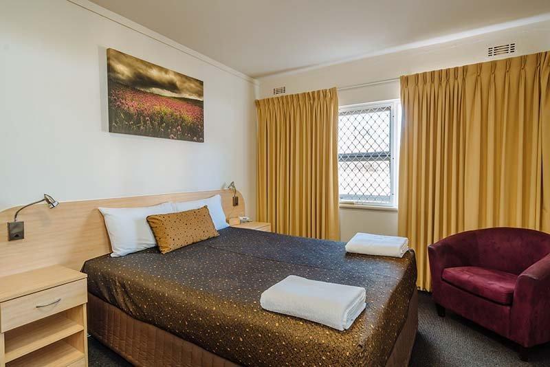 standard hotel room bed
