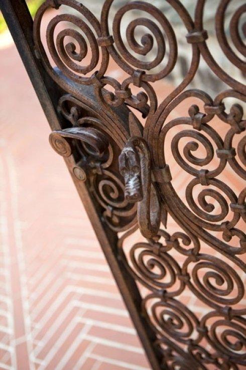 cancello con maniglia