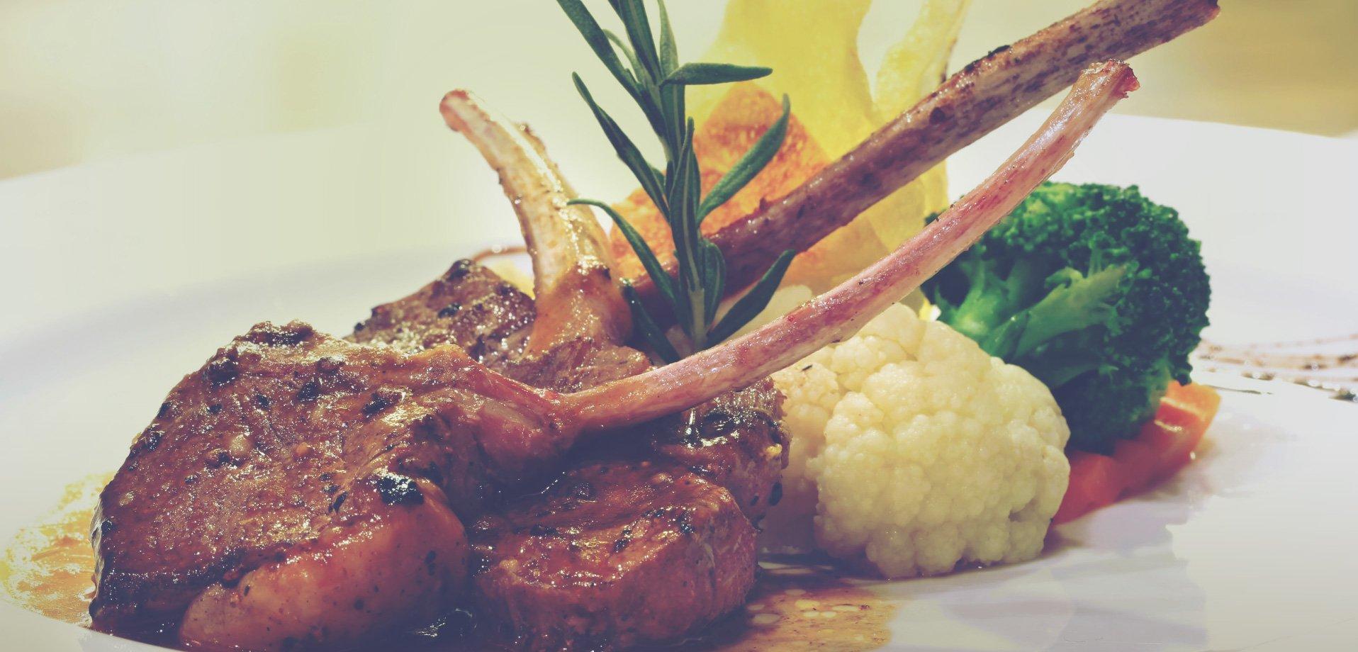 lamb ribs meal