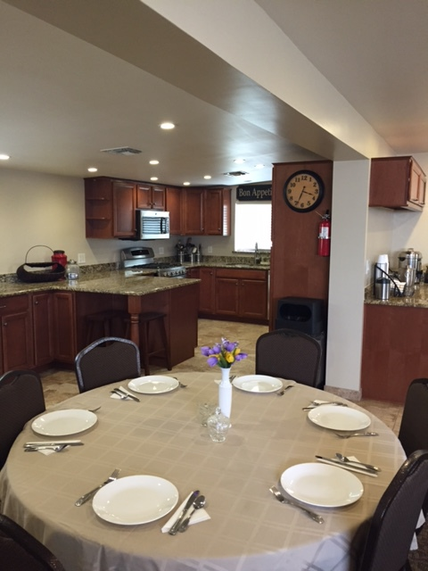Mobile home park for people with different occupational backgrounds in Apache Junction, AZ