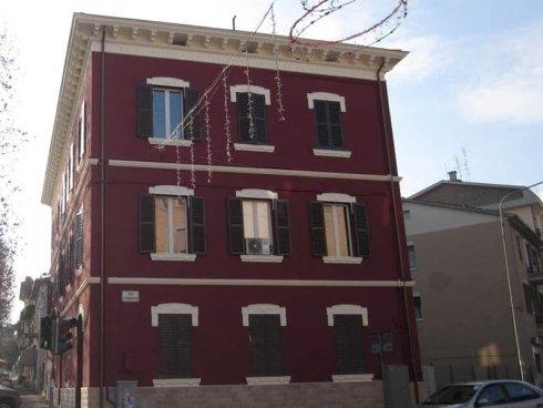 lato edificio ristrutturato