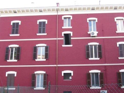 dettaglio edificio con facciata ristrutturata