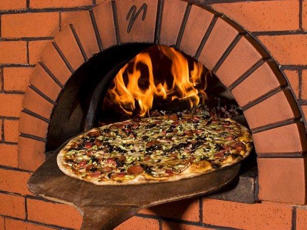 Pizzeria Forno A Legna - Ristorante Mangia E Bavi
