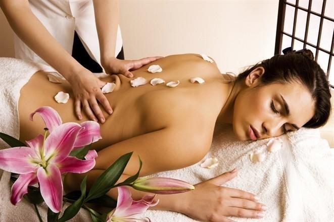 donna durante massaggio