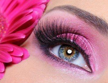 Occhio di una donna con make-up