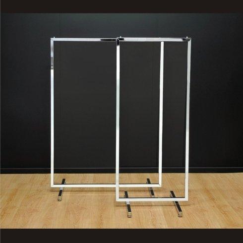 Stender in tubo quadro L=60 cm con piedini. Stender in tubo quadro L=100 cm con piedini.