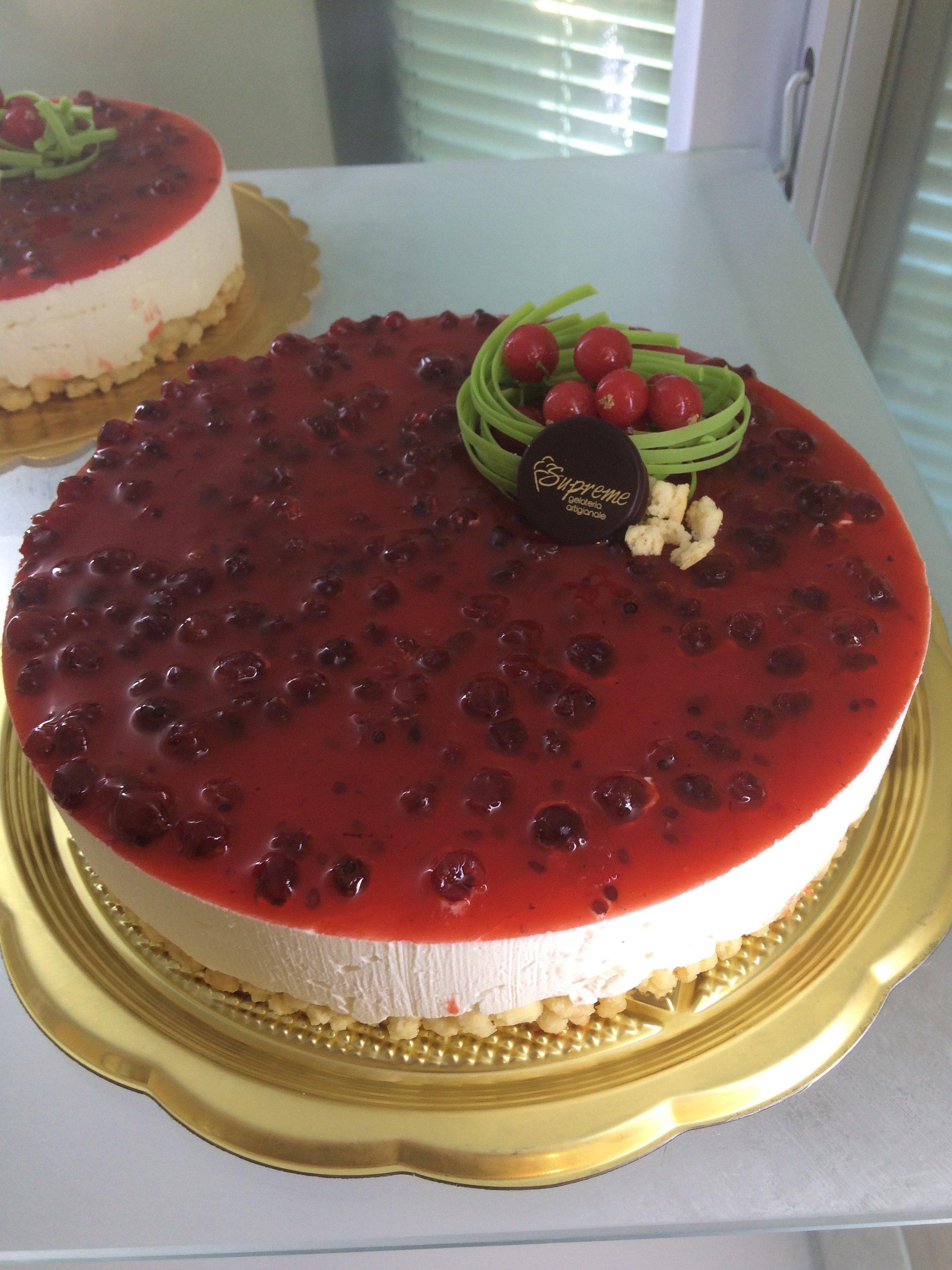 Una torta alla frutta