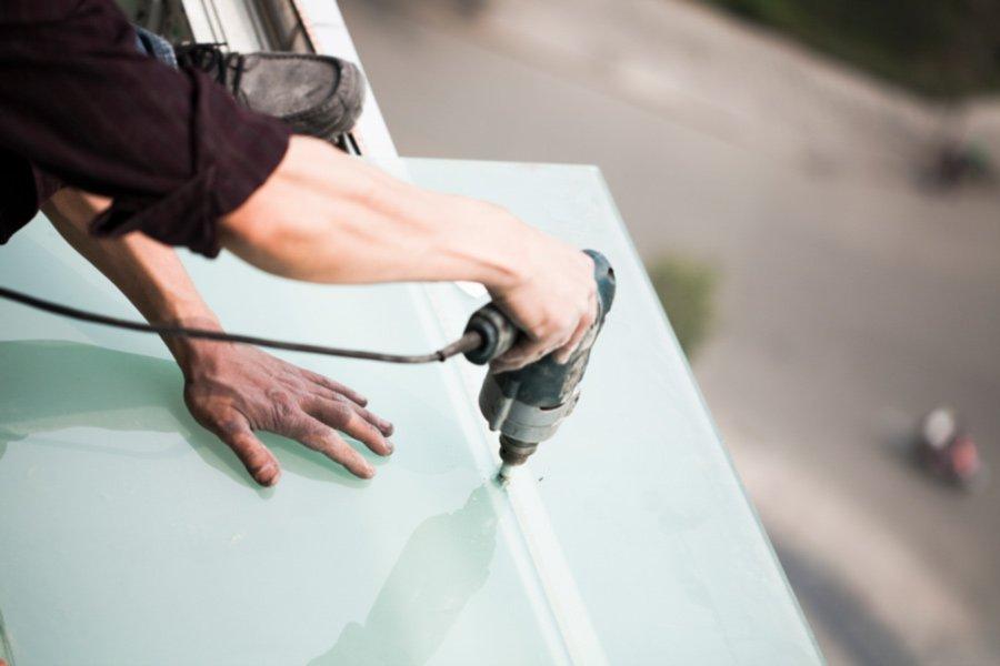 fixing glass