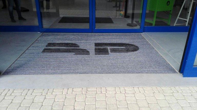 tappetino ingresso edificio