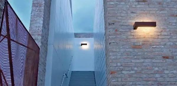 Lampada da esterno linealight da muro