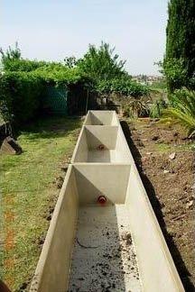 un canale per la raccolta delle acque all'aperto
