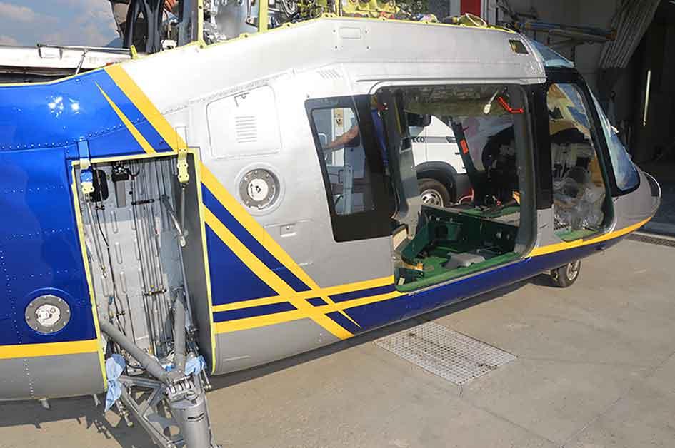 manutenzione di carrozzeria aeronautica