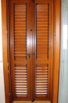 porta con persiane