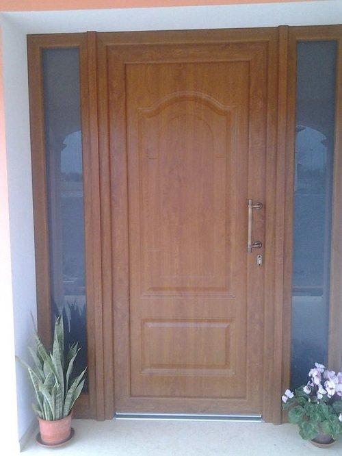 una porta mattone