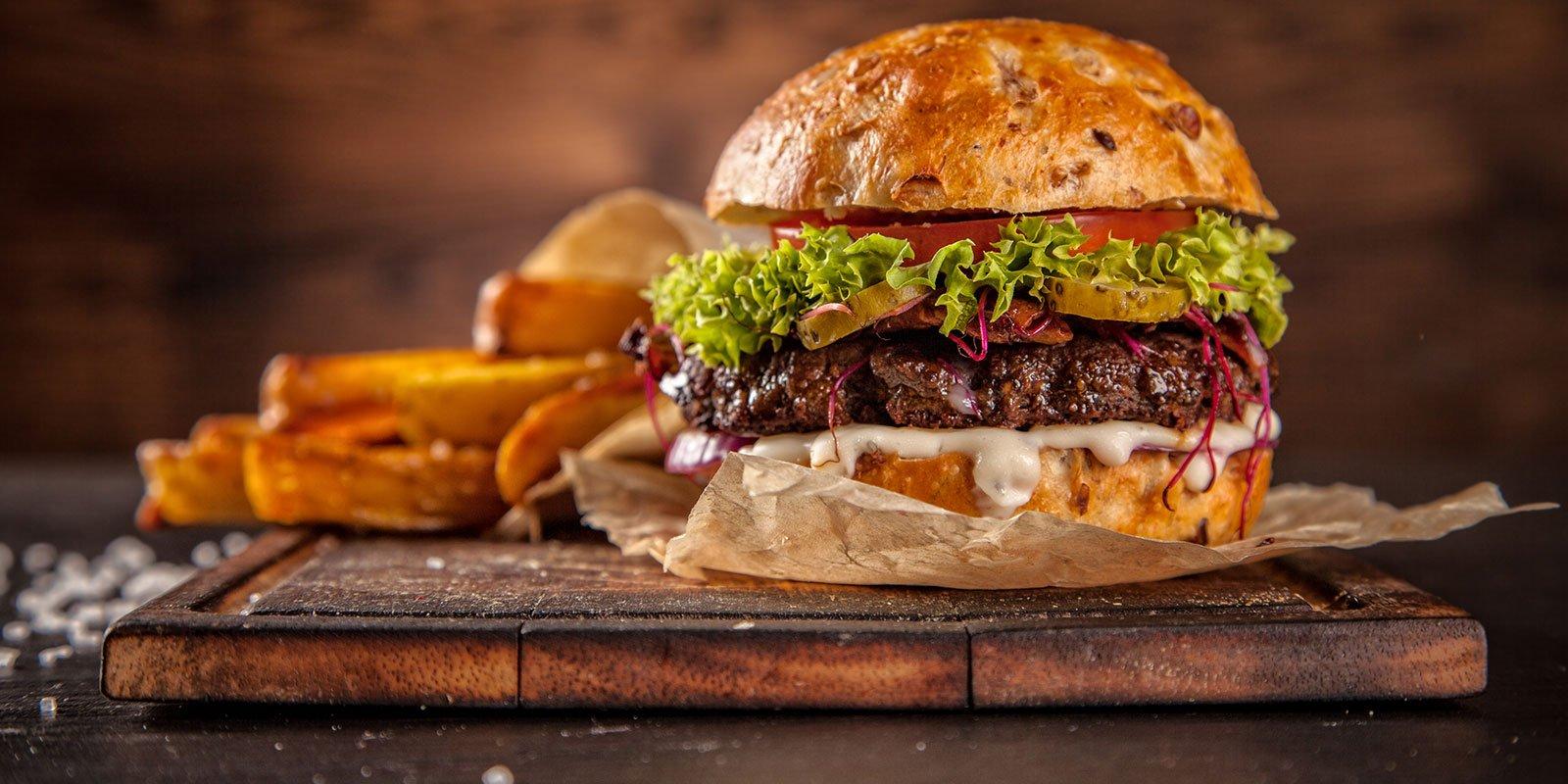 hamburger con lattuga e formaggio
