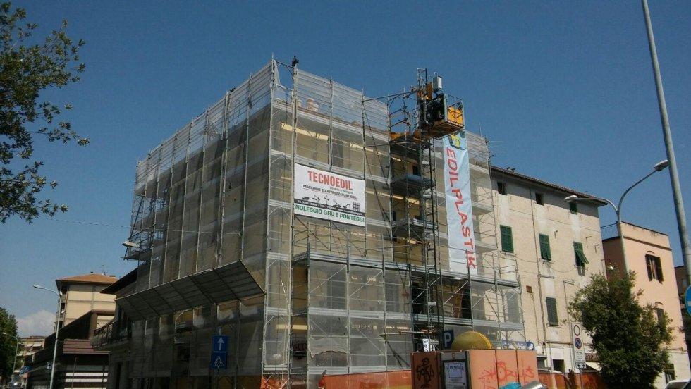 ponteggio per restauro edificio storico
