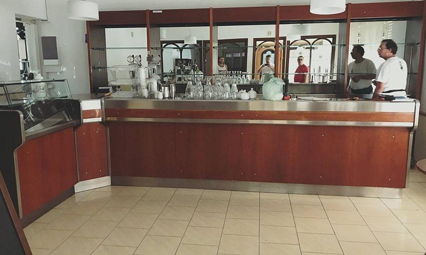 insegne banco bar