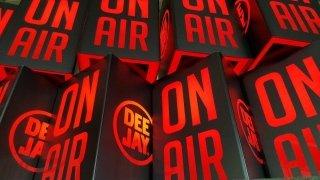 lampada radio deejay