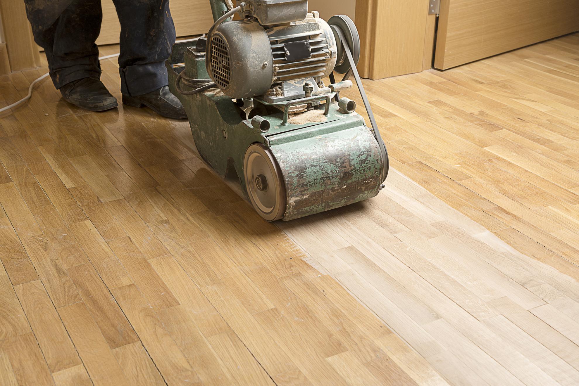 Expert providing house floor sand service