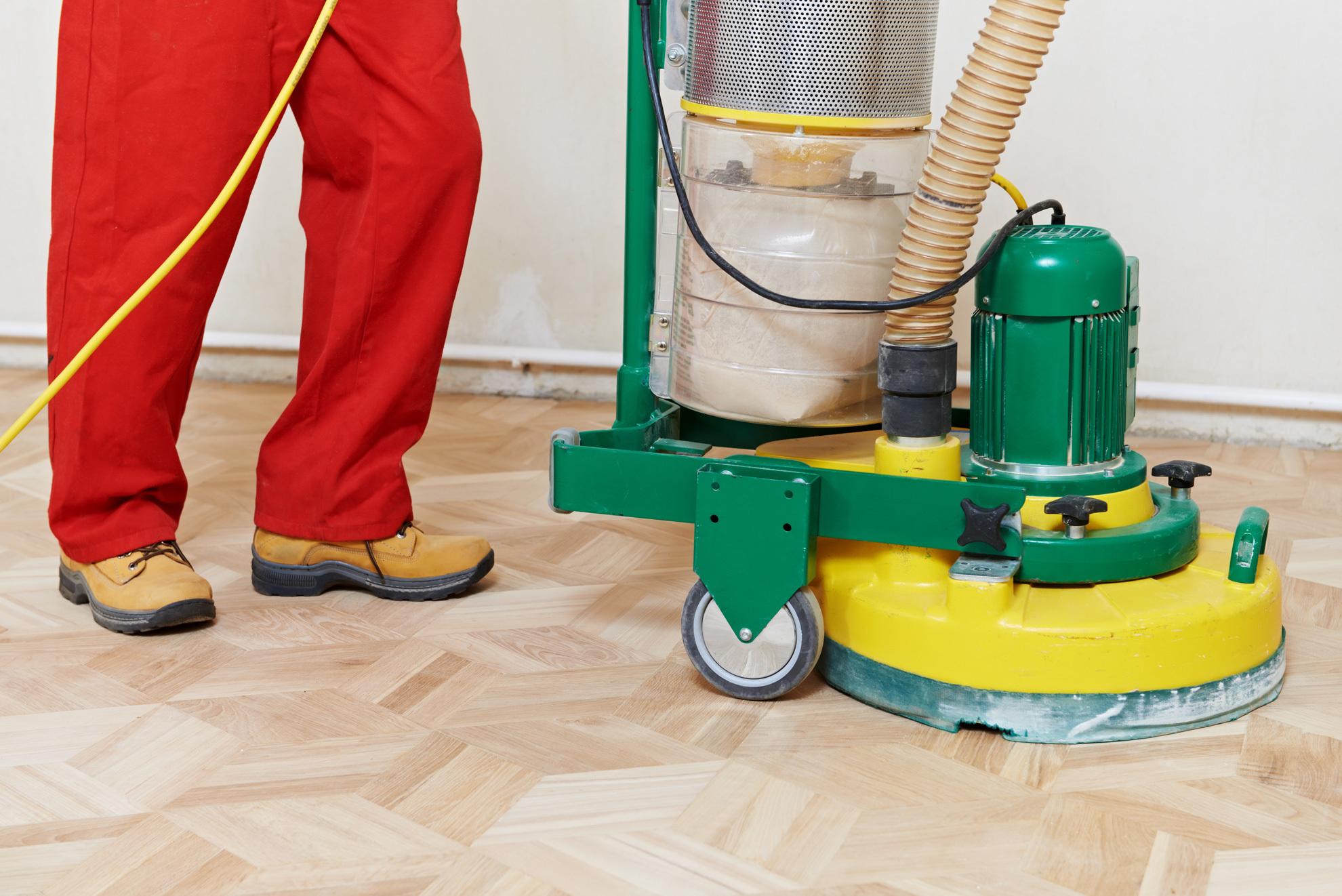 Experts providing house floor sand service
