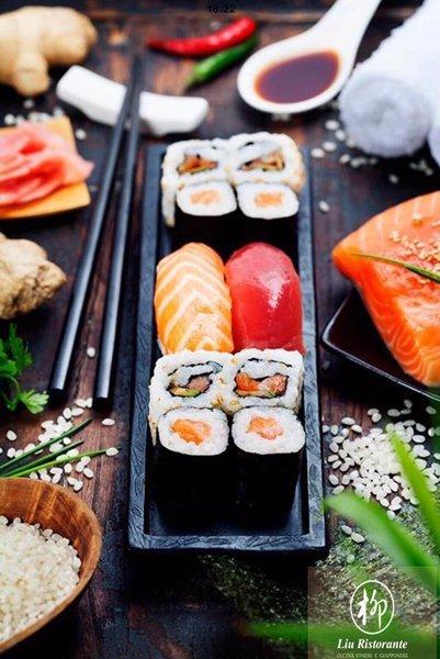 Sushi Sashimi Maki al Ristorante Sushi Liu a Bologna