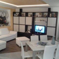 soggiorno mobilio bianco