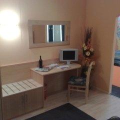 mobili legno alberghi